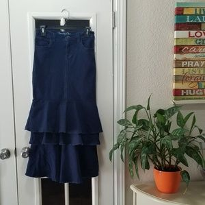 NWOT Juniors Dark Jean Ruffle Skirt